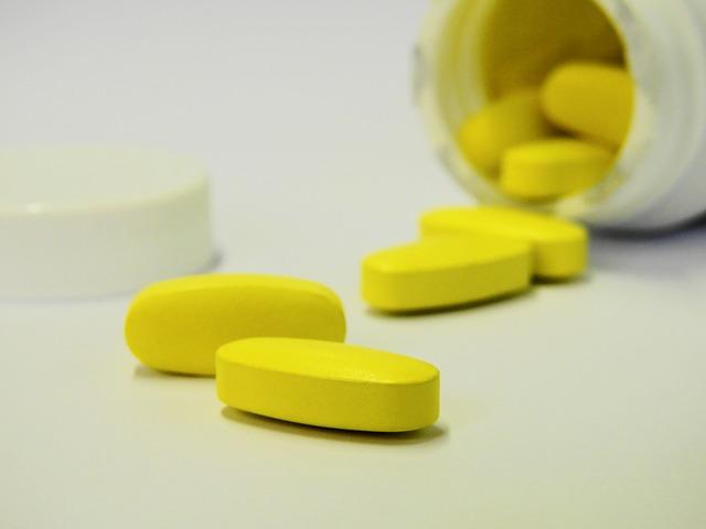 Portal Comunidade Vip: Uso de suplemento e esteroides pode causar reações adversas na pele